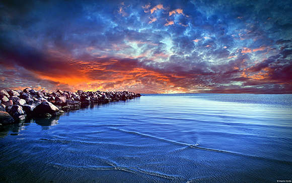 تم آبی زیبا بهمراه بک گراند جدید برای ویندوز 7 و 8